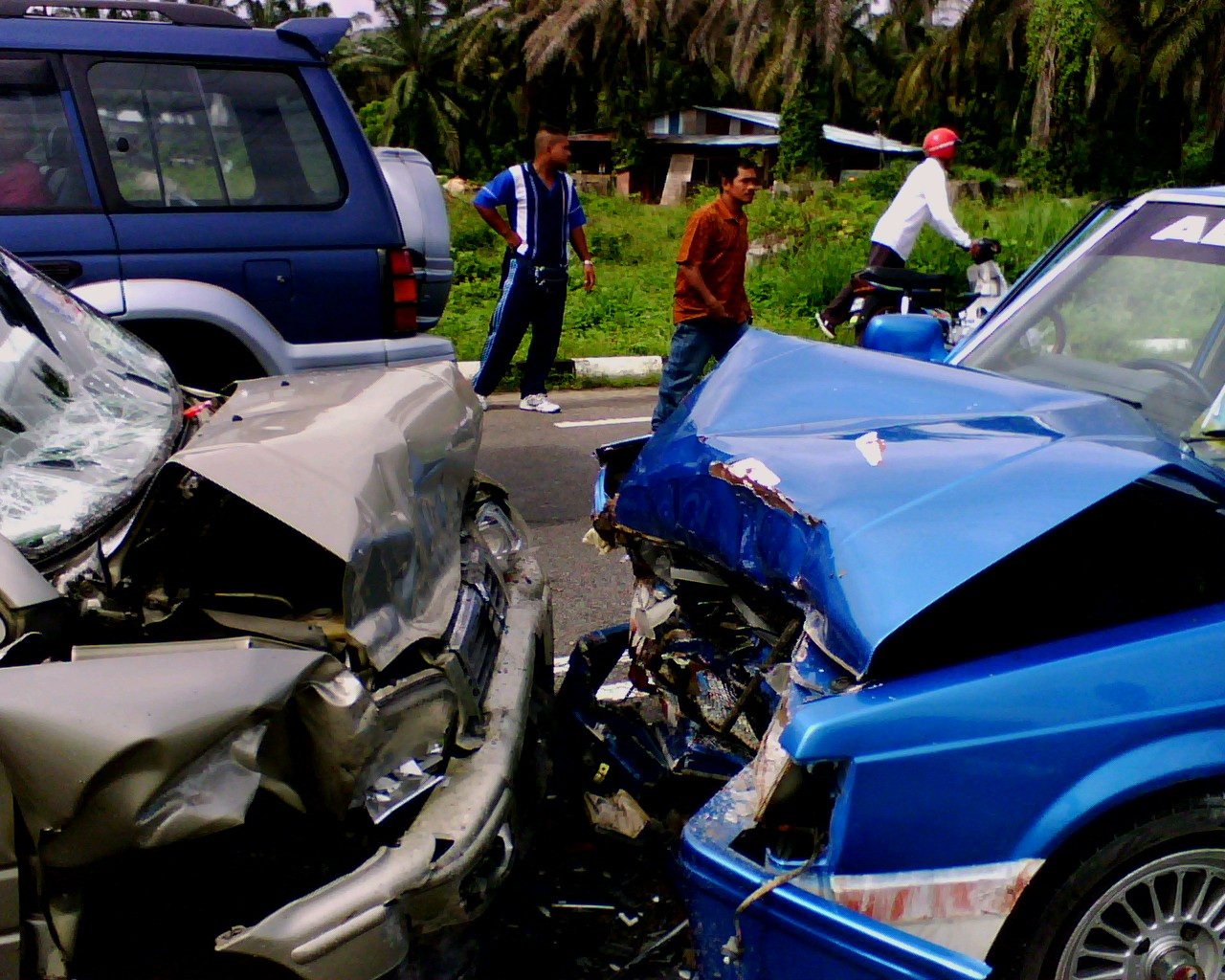 001 Essay On Road Accident Wikipedia Example Head Collision Imposing Full