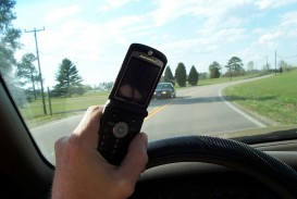 007 1200px Cell Phone Use While Driving Essay On Road Accident Wikipedia Imposing