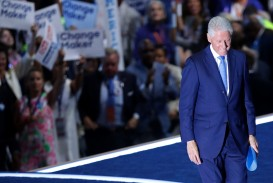 010 Essay Example The Wife Beater Former Us President Bill Clinton Walks Off Stage Stunning Summary Analysis