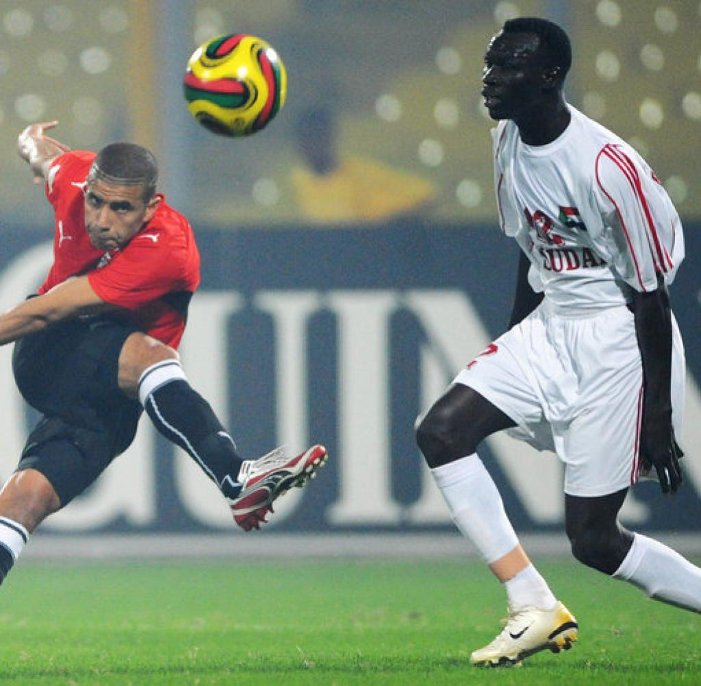013 Football Globalization Bm Vermischtes Kumasi Jpg Essay Example Soccer Vs Compare And Excellent Contrast Full