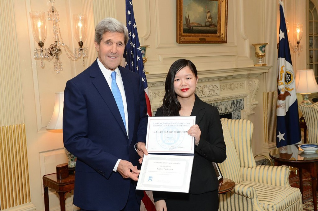 015 Essay Example 1280px Secretary Kerry Meets With Afsa Winner2c Kailee Pedersen High School Staggering Contest Large