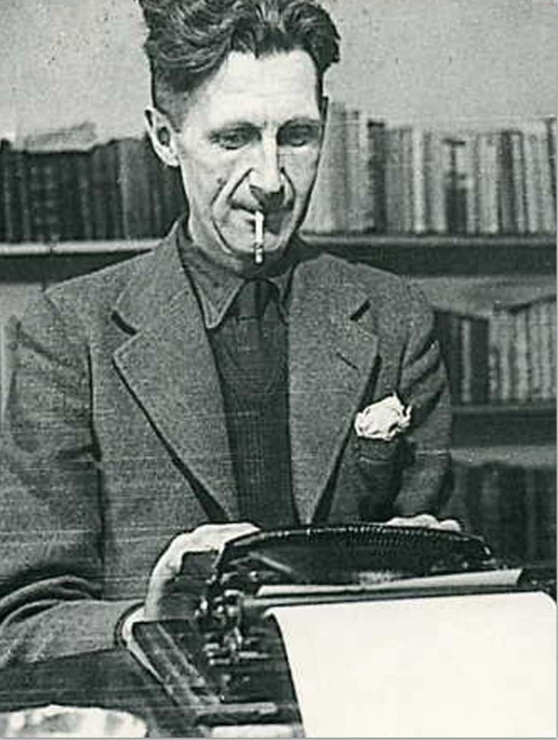 015 Essay Example Orwell Typewriter Singular Essays Amazon Pdf Epub 1920